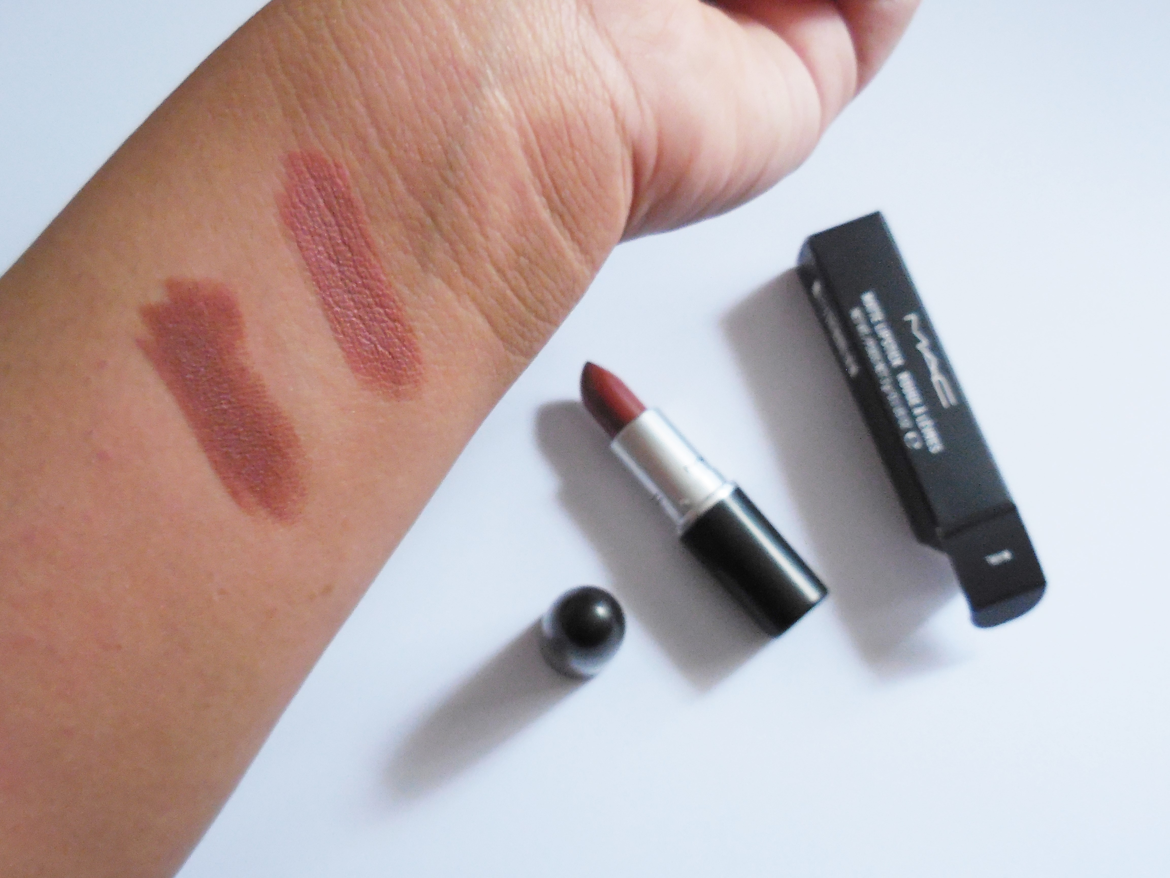 MAC 'Whirl' vs MAC 'Velvet Teddy' - Rabia Qureshi